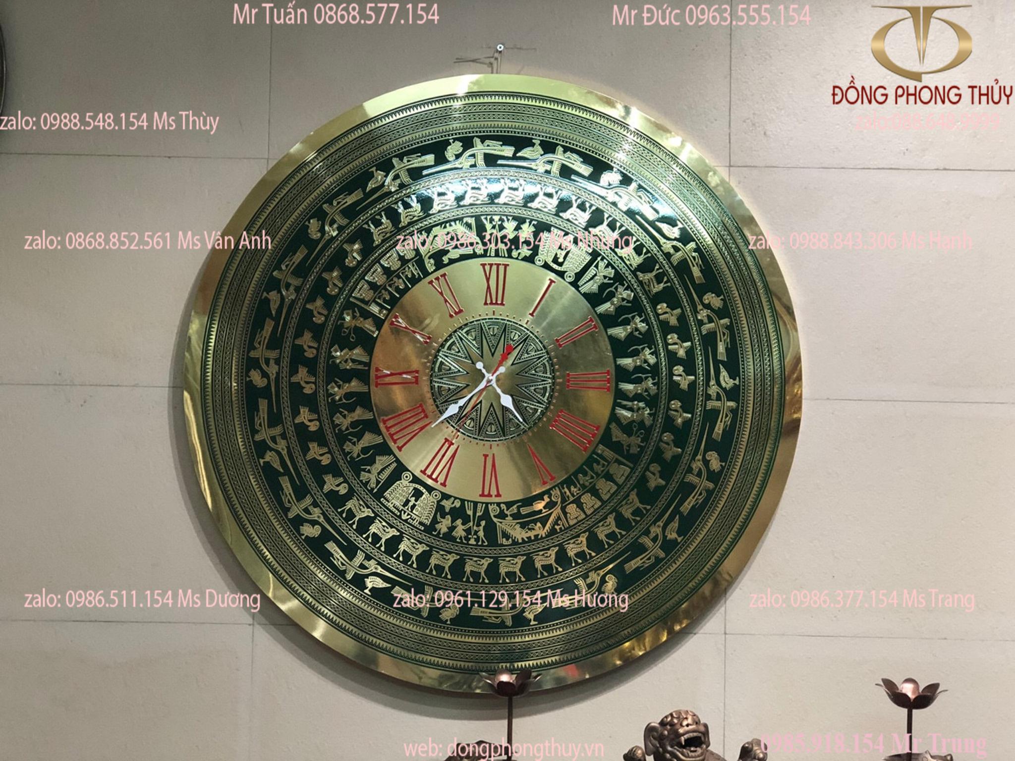 Đồng hồ Mặt trống đồng Đông Sơn 80cm nền xanh số La Mã