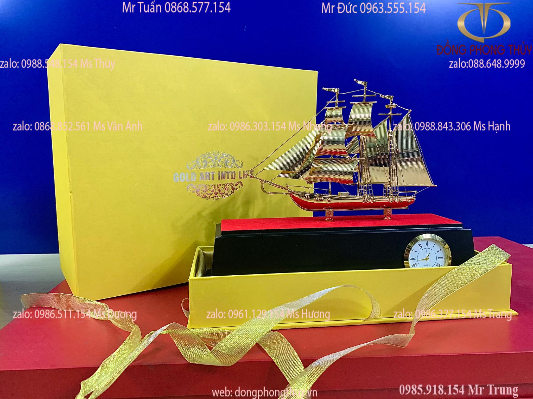 Quà tặng sếp: thuyền mạ vàng 24k cao 26 dài 31 sâu 17cm