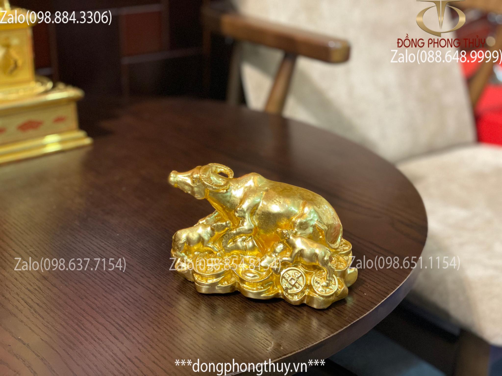 Tượng Trâu Mẹ con bằng đồng thếp vàng 24k