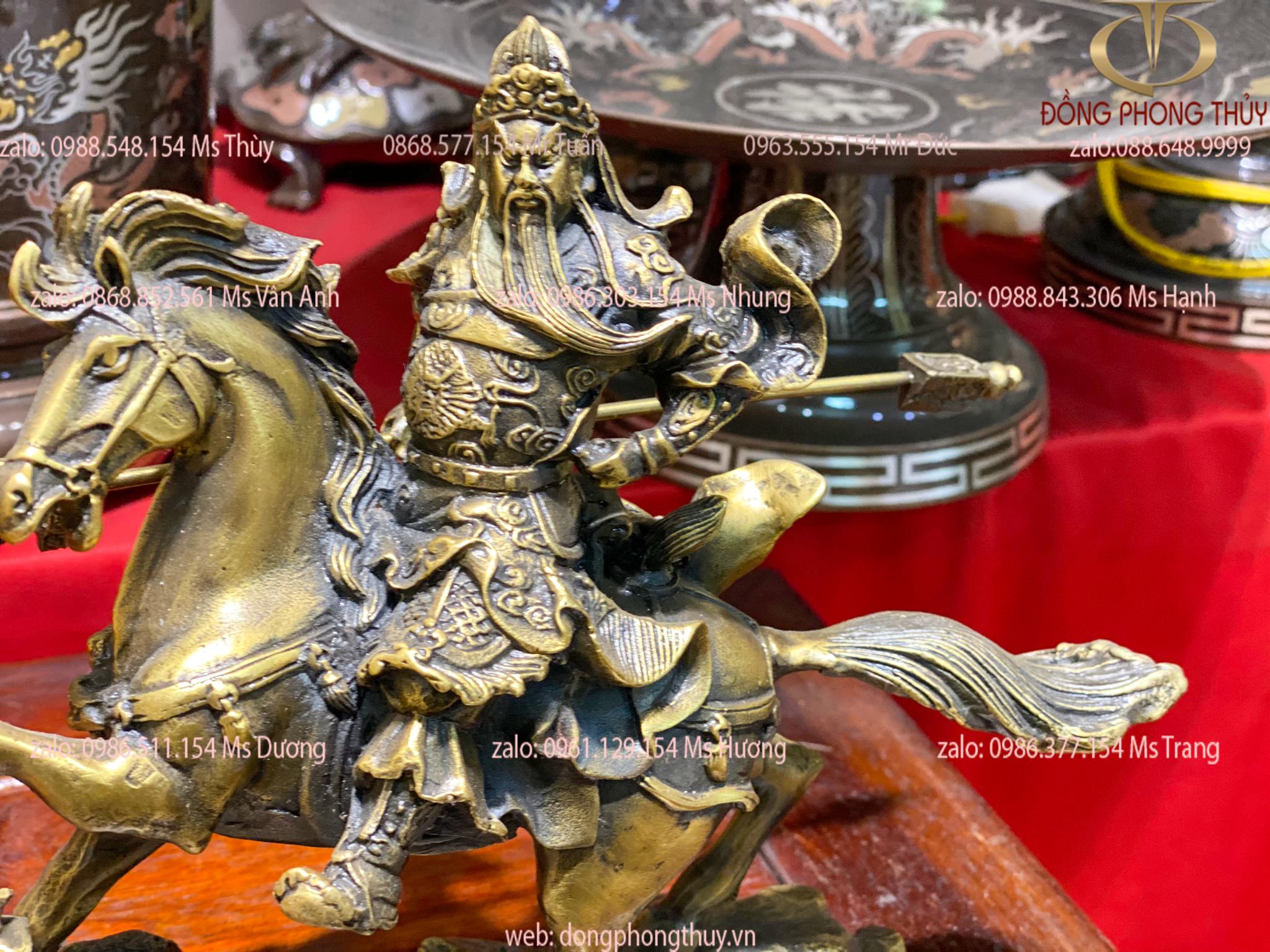 Tượng quan công cưỡi ngựa cầm thanh long đao cao 21,5 dài 25 ngang 9cm nặng 1,8kg