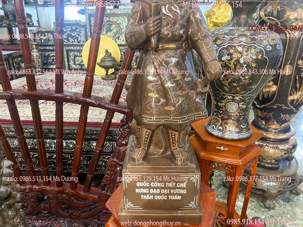 Tượng Trần Quốc Tuấn Hưng Đạo Đại Vương bằng đồng đỏ khảm ngũ sắc cao 70cm nặng 25kg