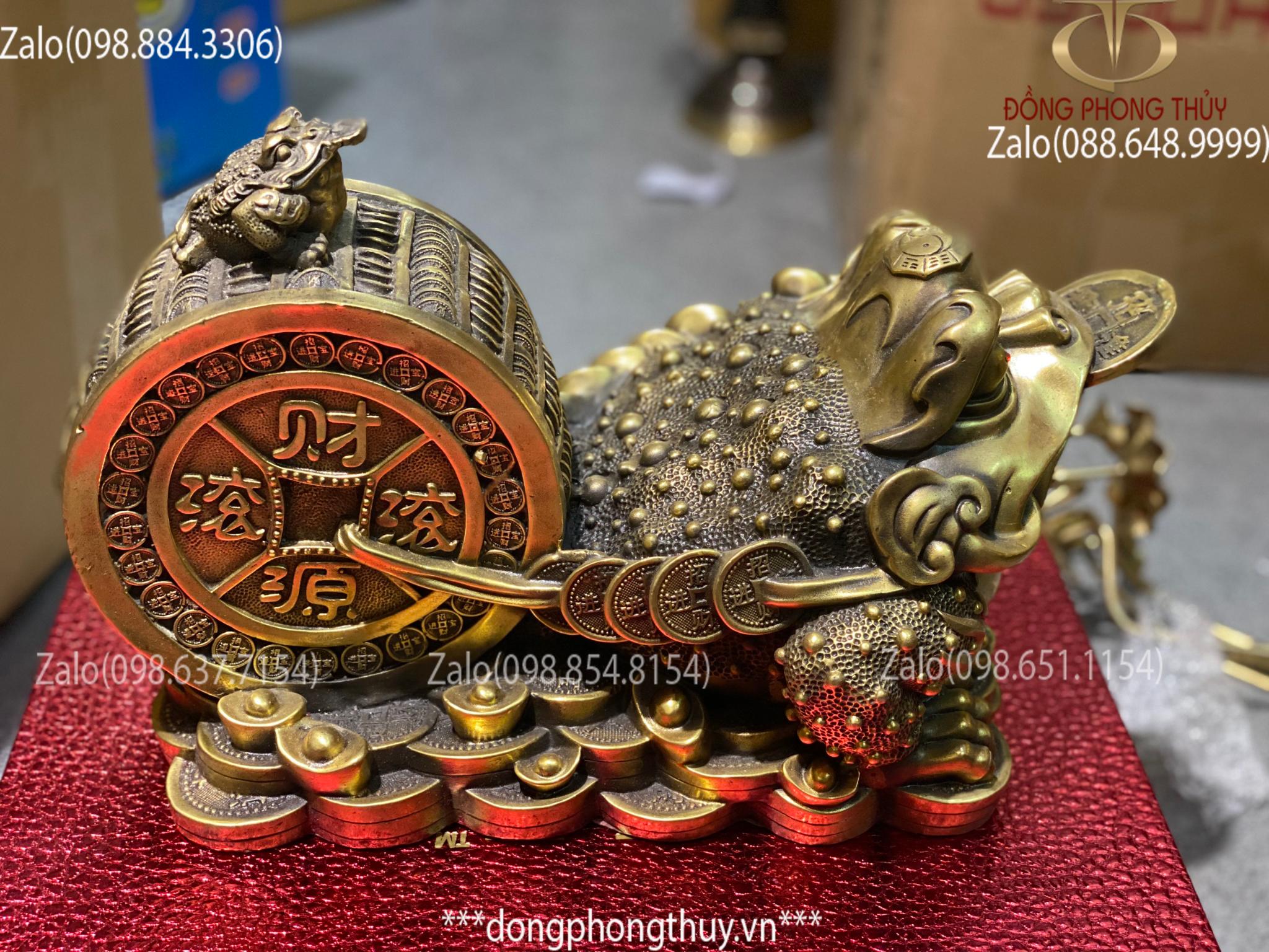 Tượng thiềm thừ bằng đồng, cóc ngậm tiền bằng đồng kéo xe dài 36 cao 22 ngang 19 nặng 4,7kg
