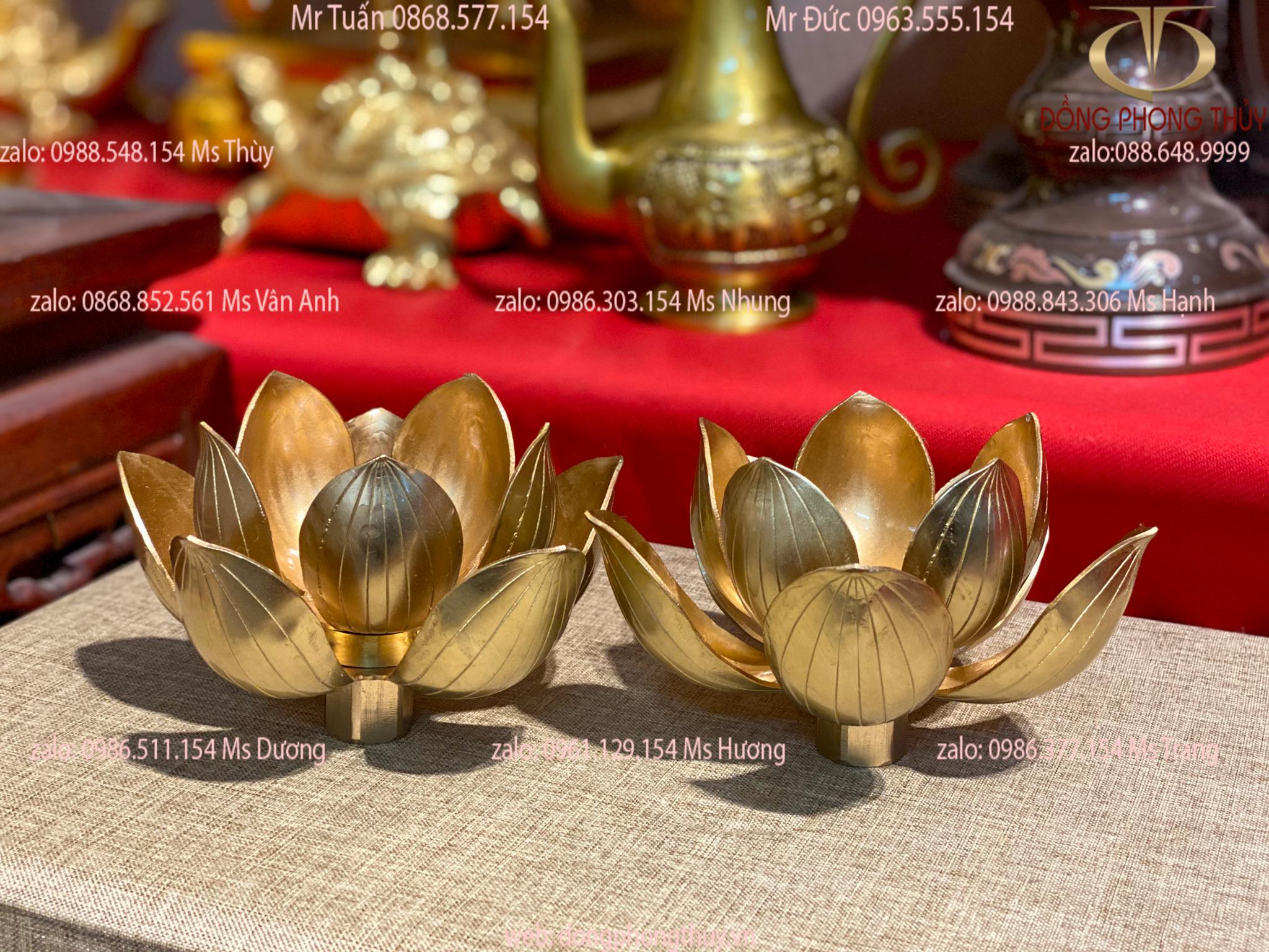 Đôi hoa sen nến thờ bằng đồng