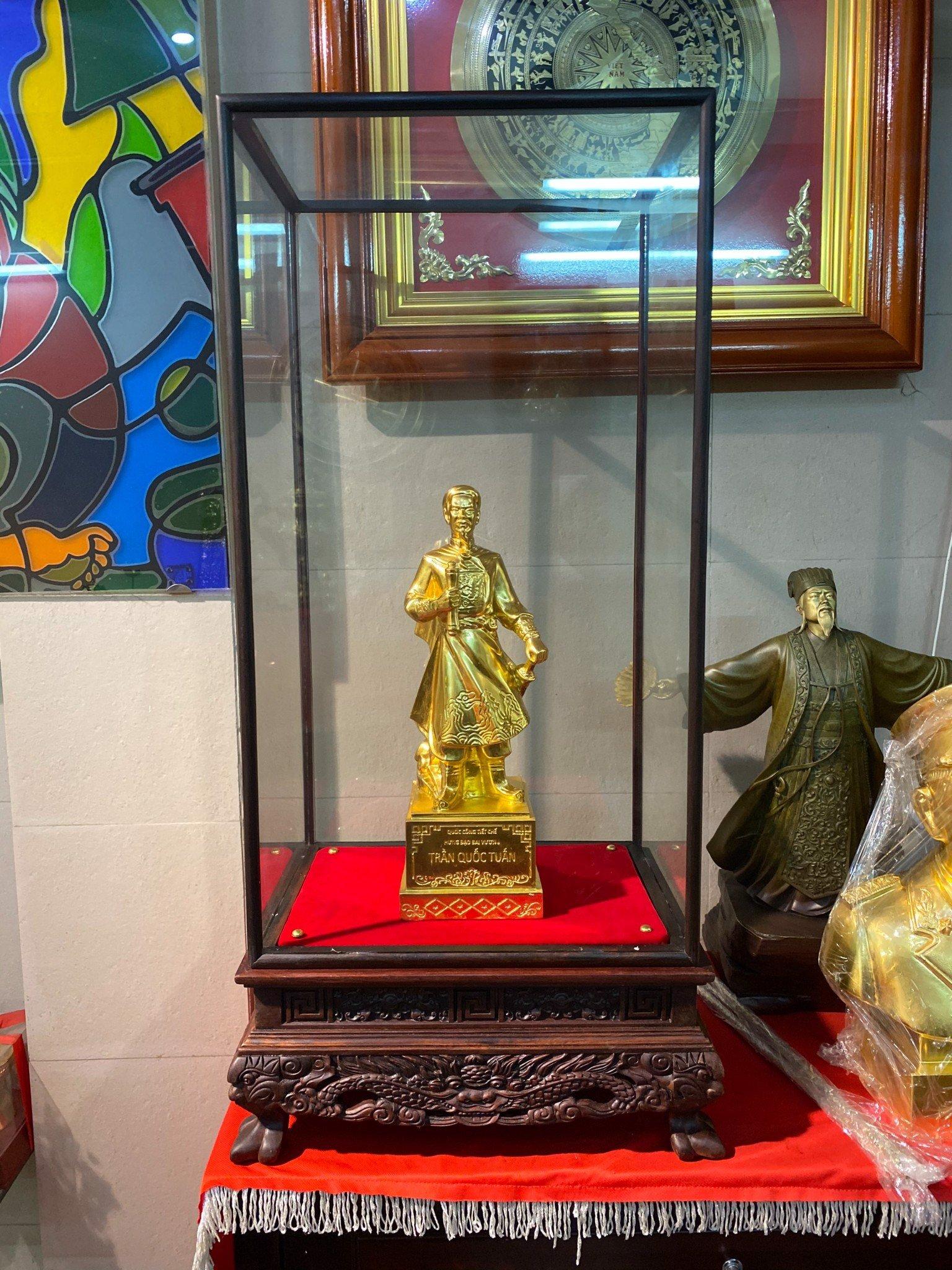 Tượng Trần Quốc Tuấn cao 40cm dát vàng 24k