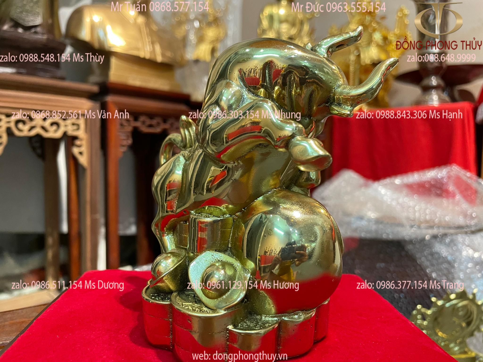 Tượng trâu vàng phong thủy bằng đồng