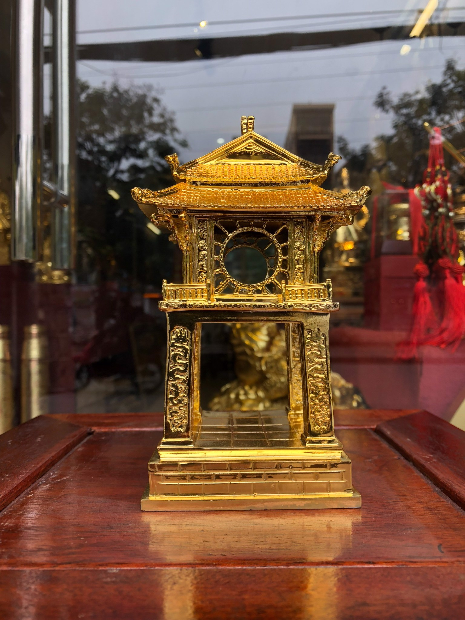 Quà tặng mạ vàng Khuê Văn Các bằng đồng dát vàng 24k