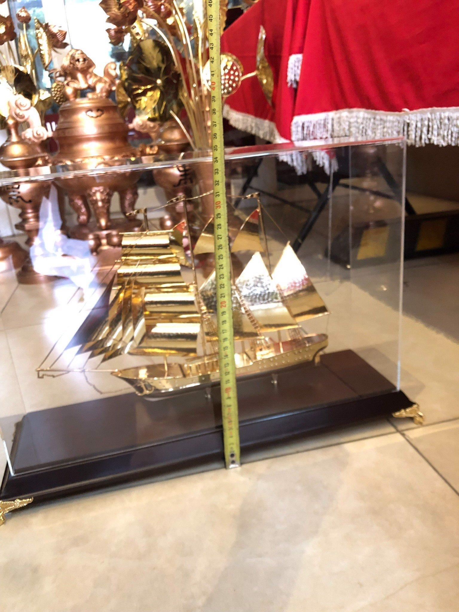 Tranh quà tặng mô hình thuyền buồm mạ vàng 24k
