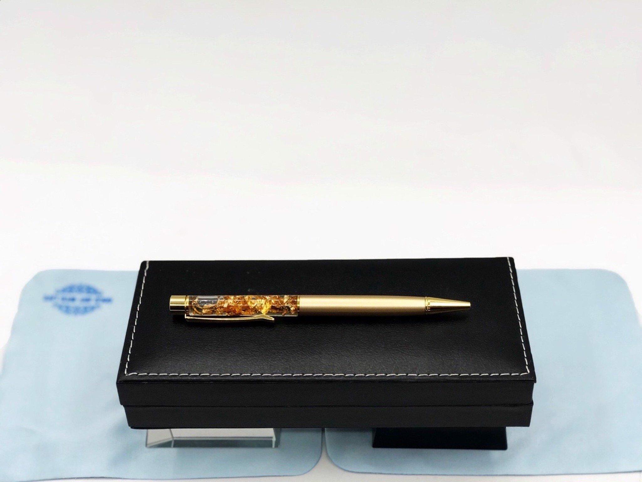 Quà tặng sếp: bút ký lá vàng 24k