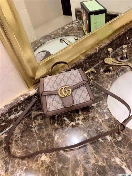 Gucci in chữ mini sps