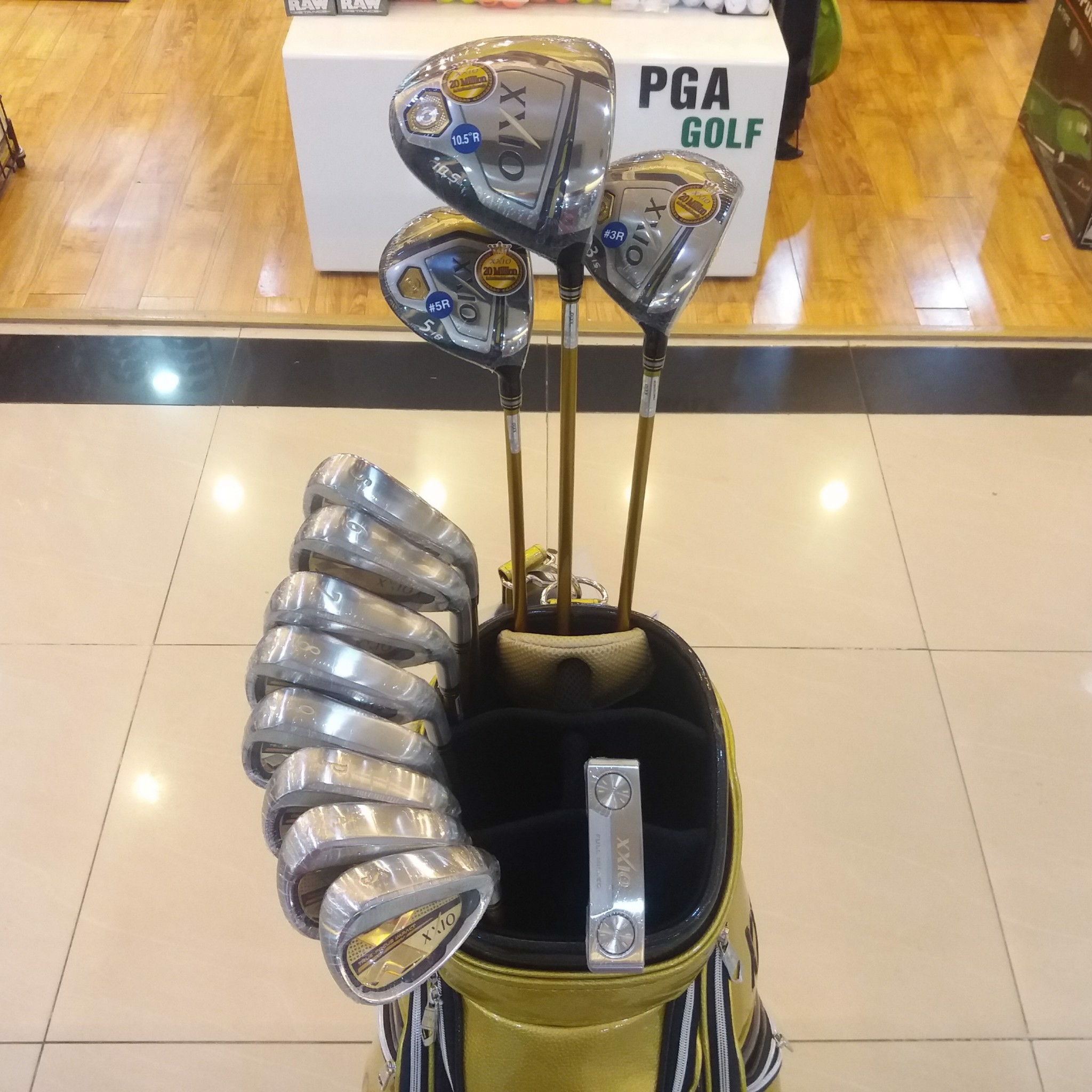 Bộ Gậy Golf XXIO MP1000 Gold (New model)