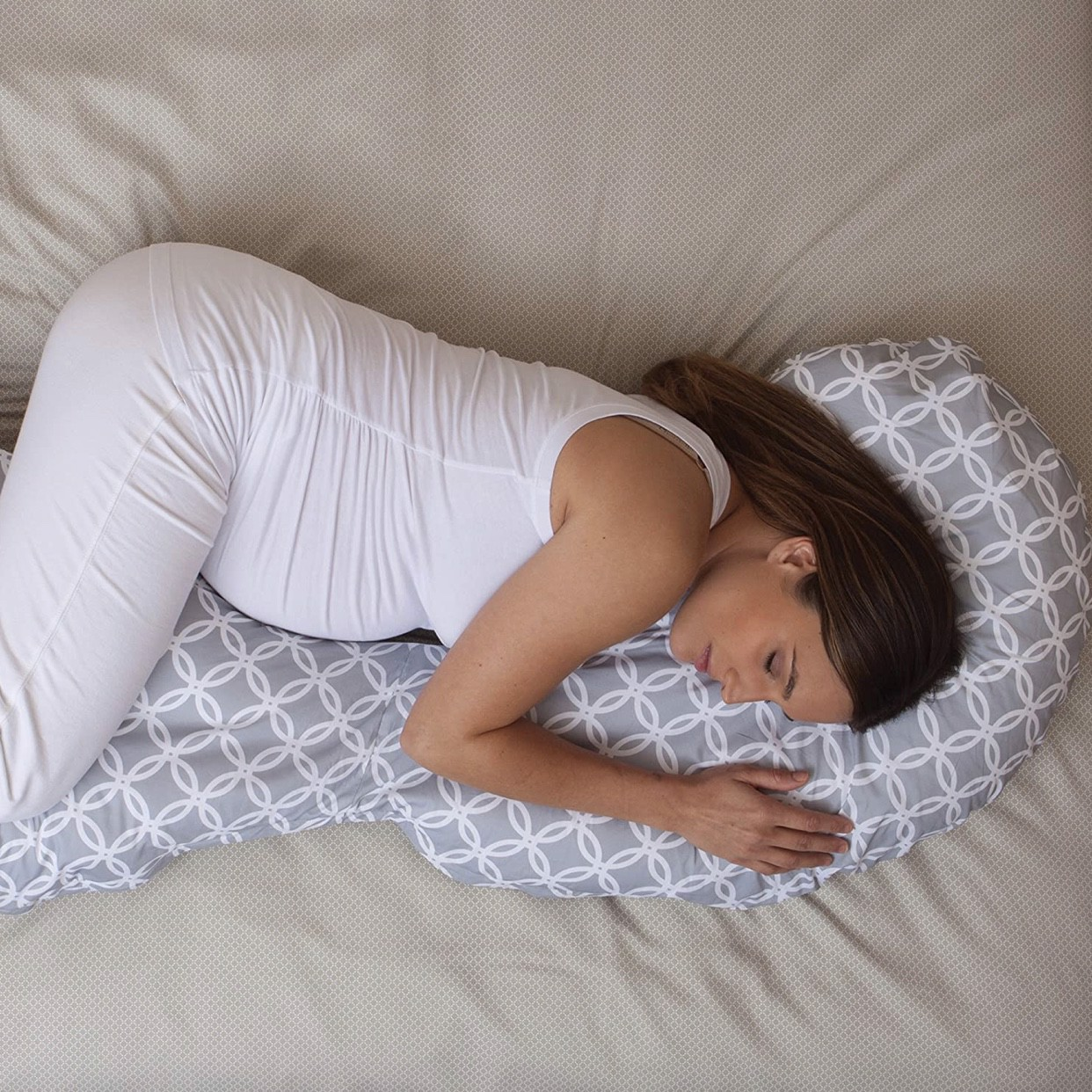 Gối nằm cho mẹ Boppy Slipcovered Total Body Pregnancy Pillow