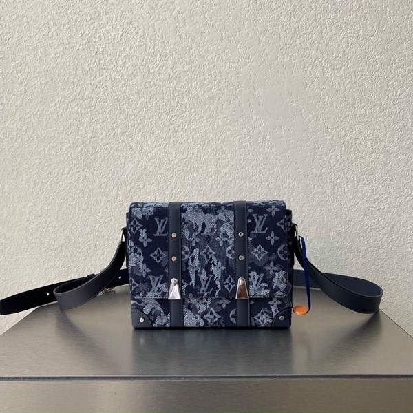 TRUNK MESSENGER Monogram Tapestry canvas
