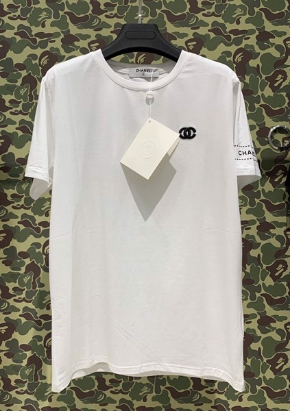 CHANEL LOGO T-SHIRT