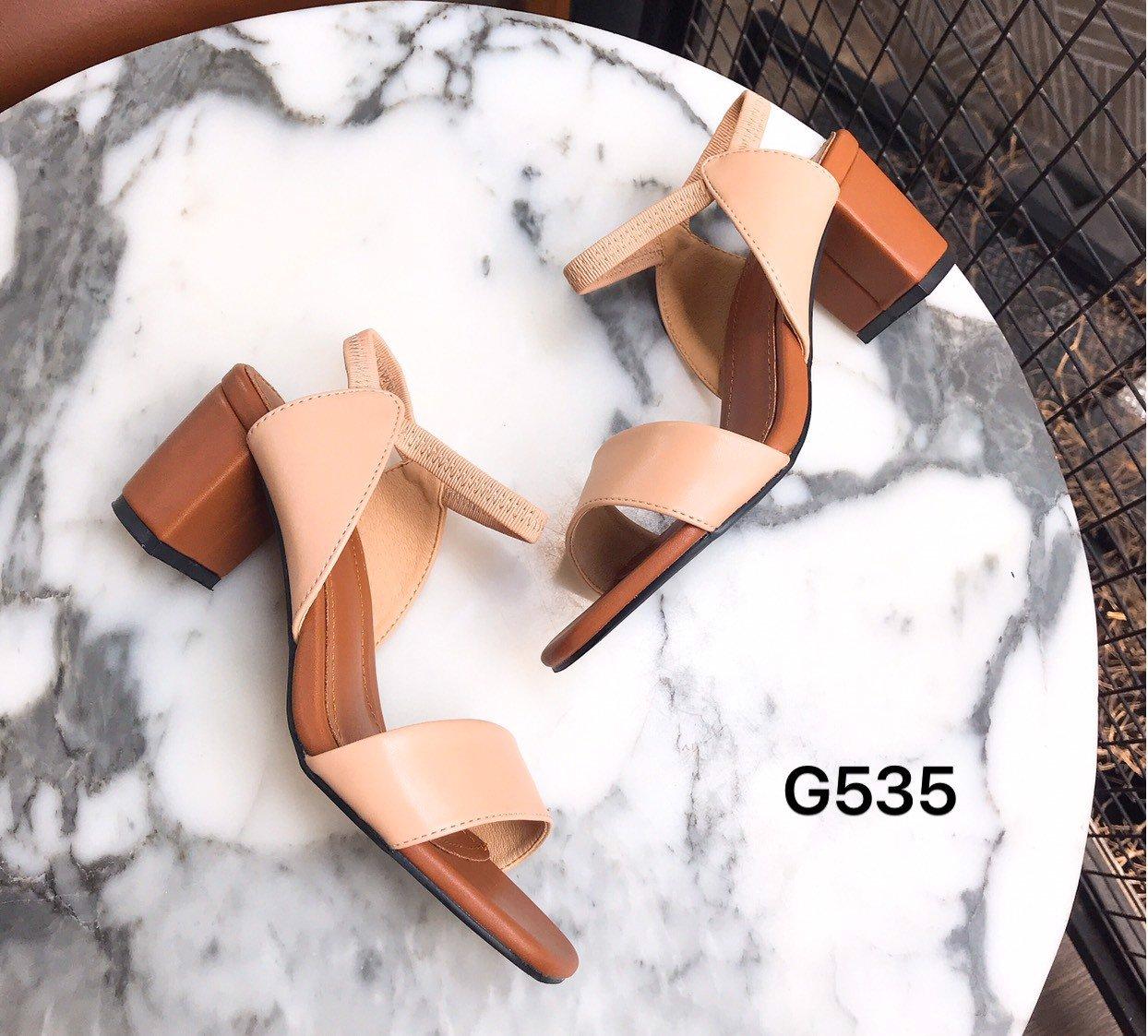 Sandal quai bản hậu tam giác