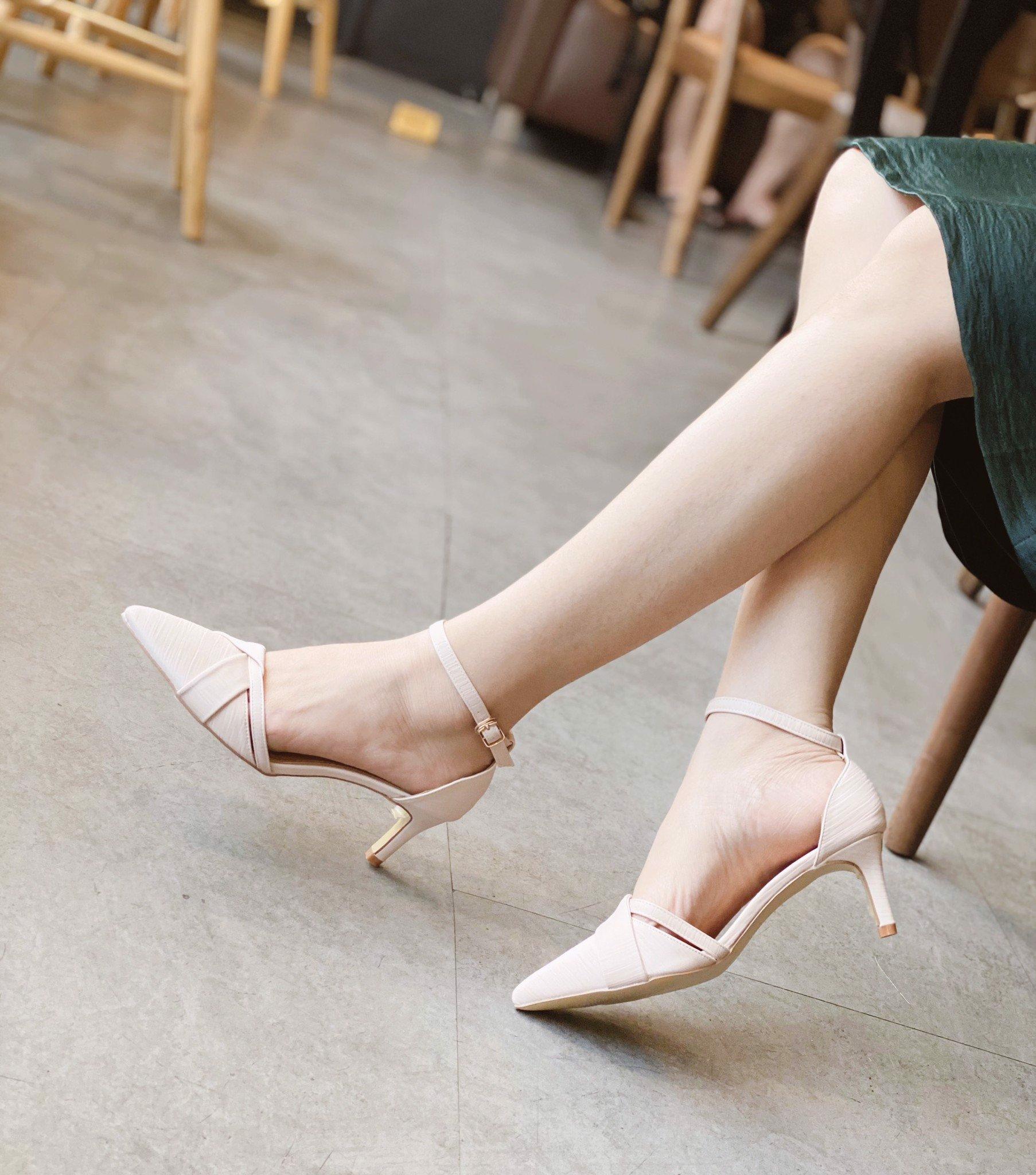 Sandal Bít Xoắn Dây Viền
