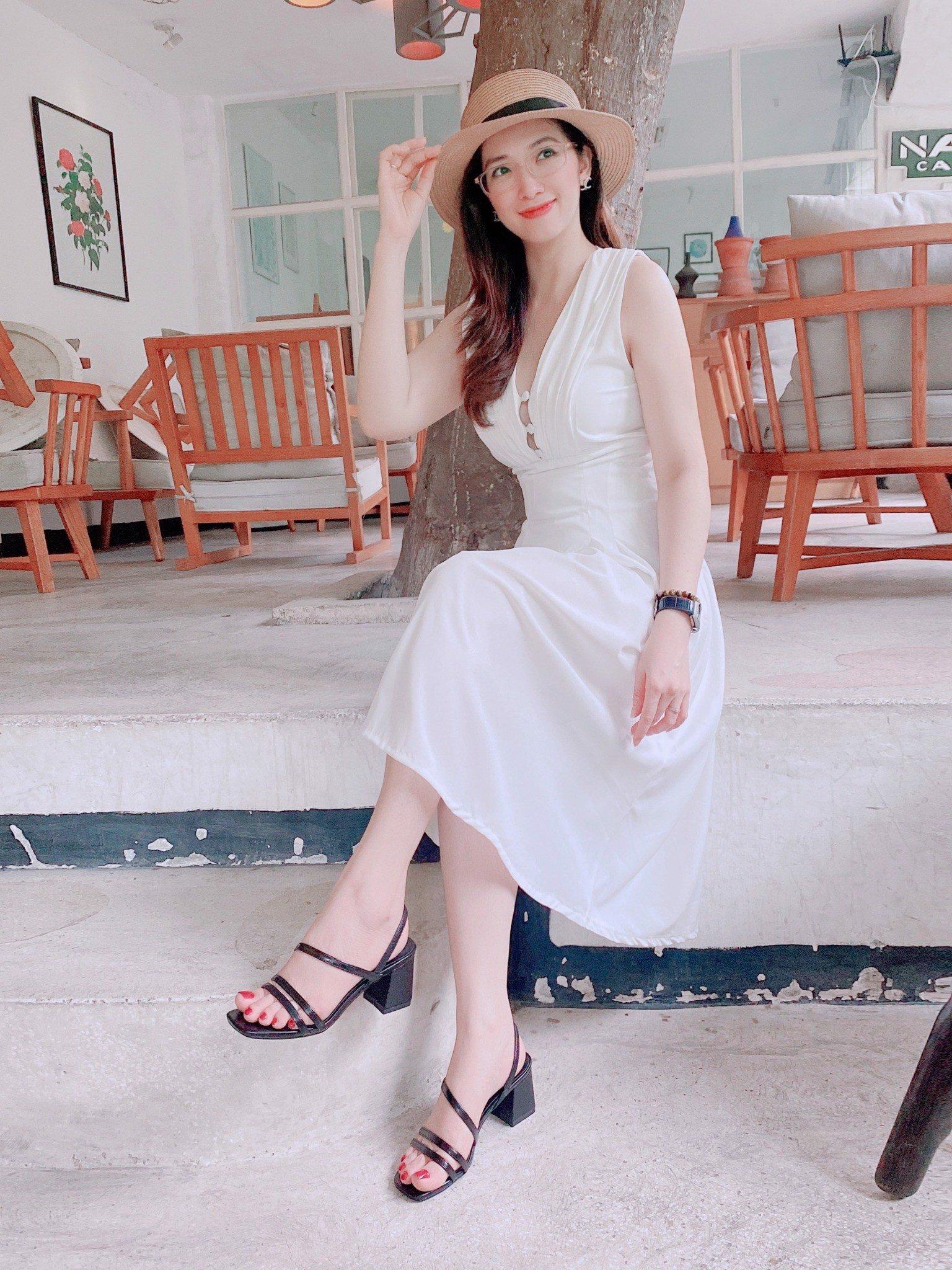 Giày nữ giá rẻ, Sandal quai đôi Basic