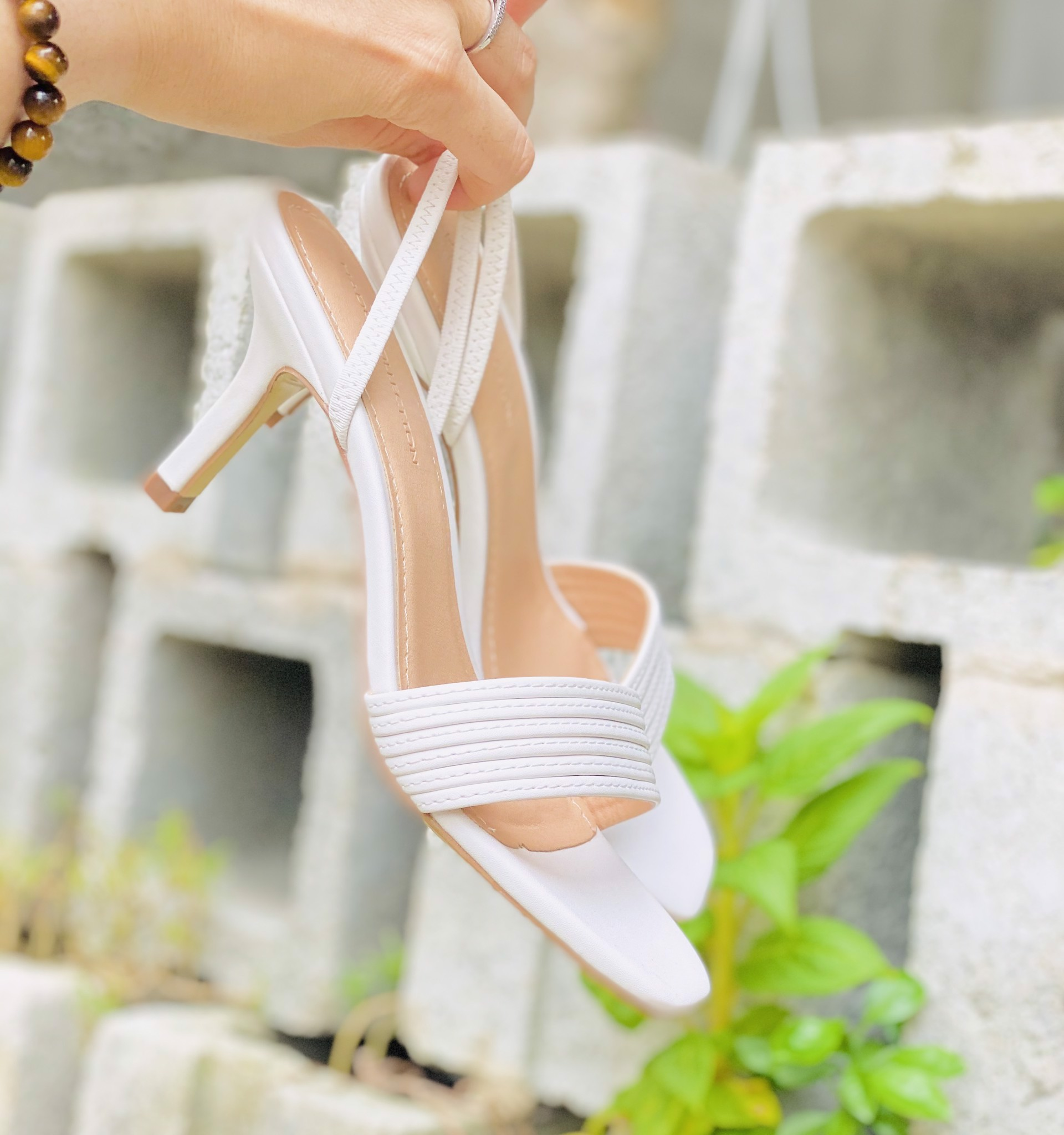 Giày sandal dây ngang