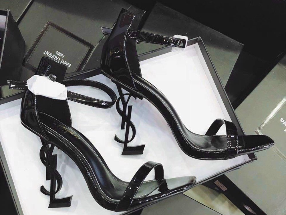 Sandals In Black Patent Leather