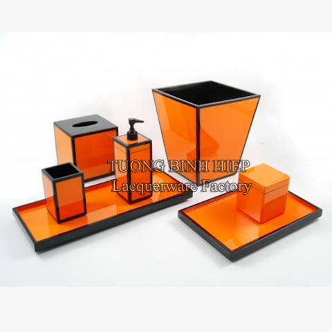 Lacquer bathroom accessories (set of 7)