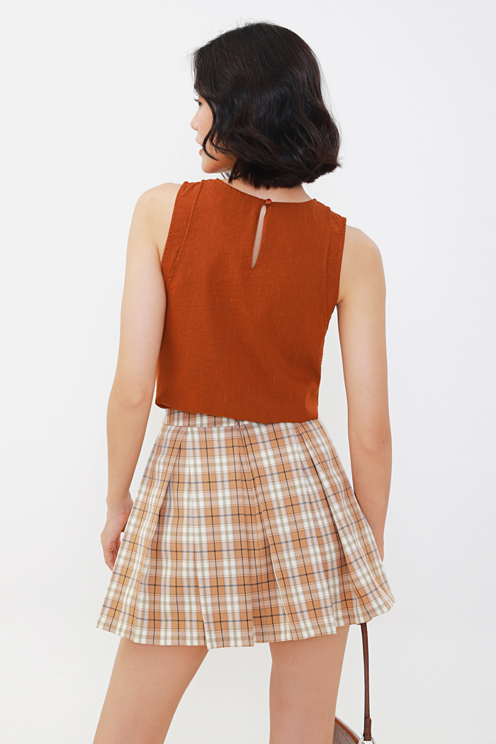 Váy quần caro xếp li