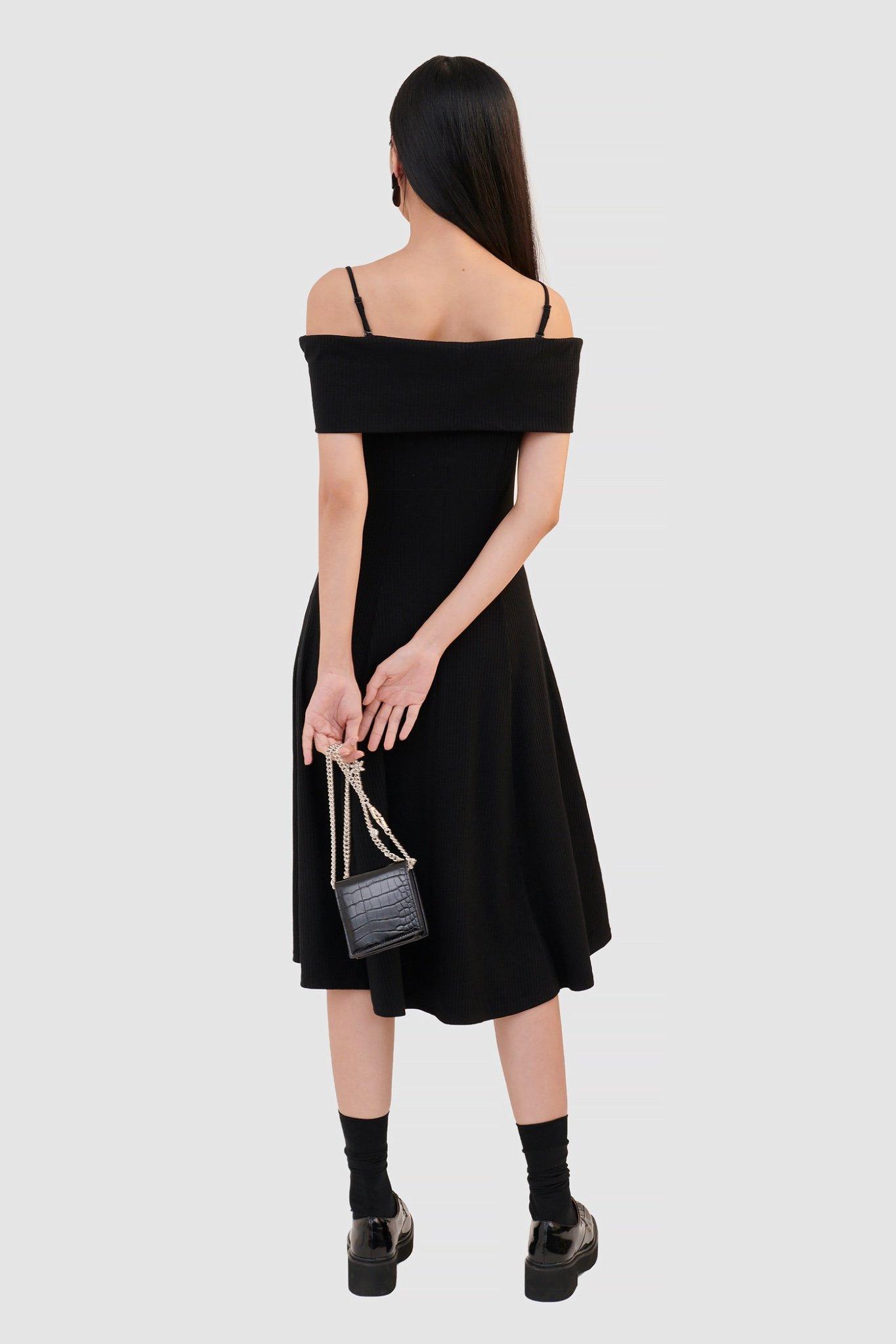 Đầm knit midi trễ vai