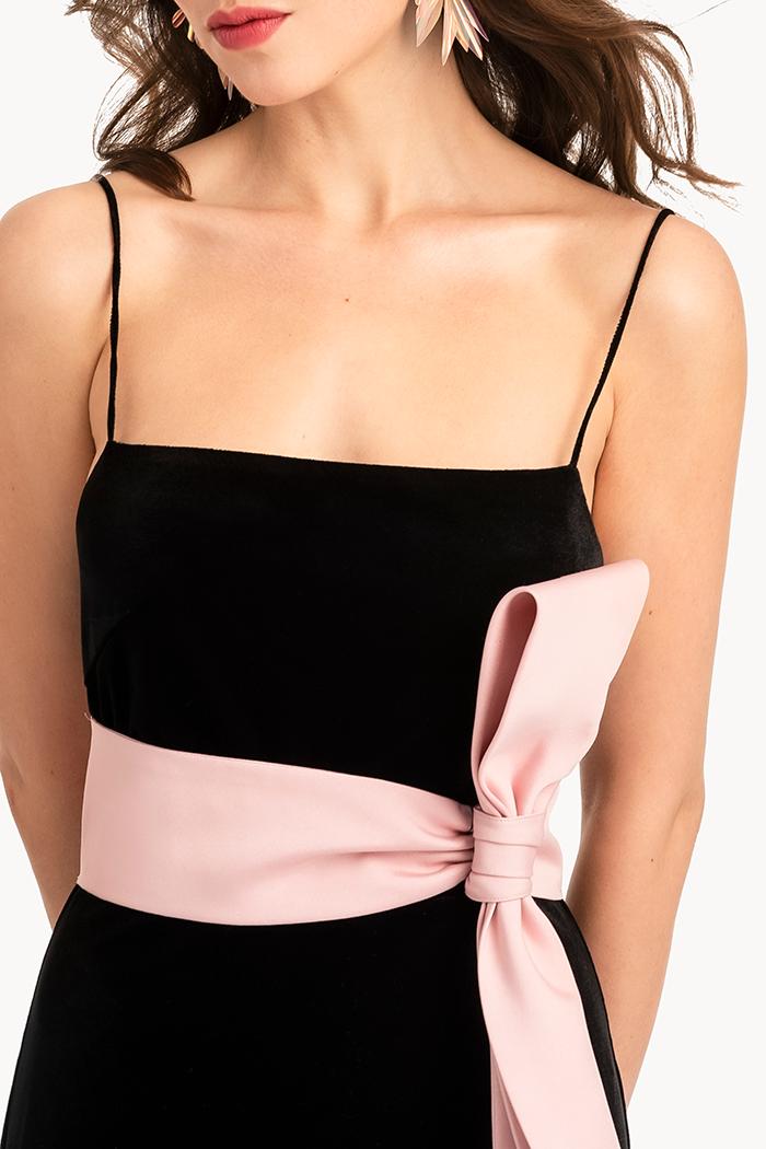 Đầm nhung 2 dây drap nơ eo