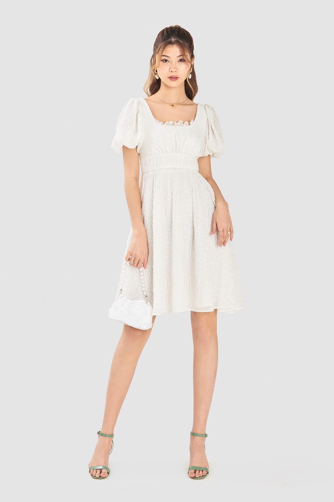 Đầm tay phồng ren lưới ánh kim eo cao