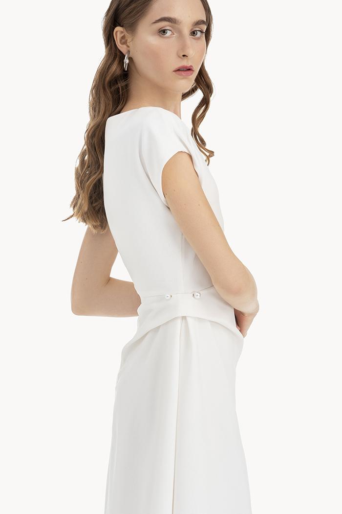 Đầm midi tay liền xếp li cài kim hông