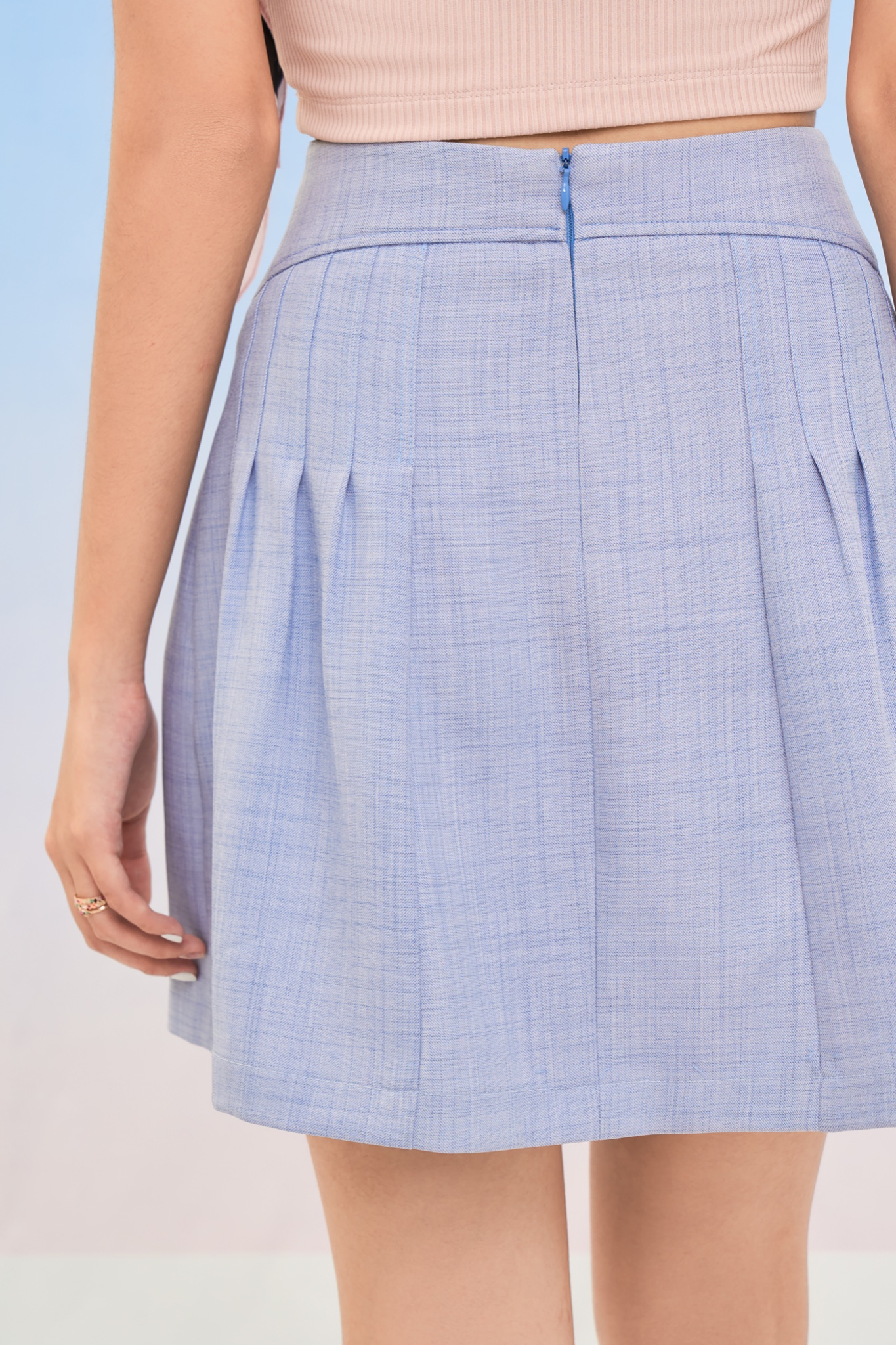Váy mini nhấn ly phồng