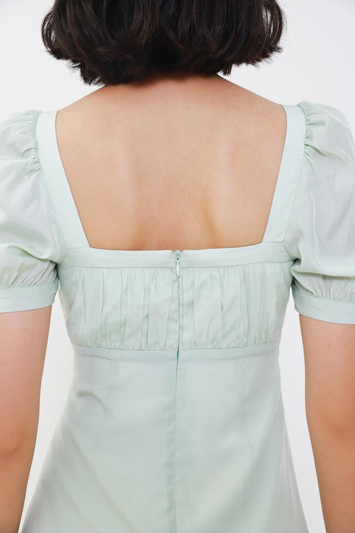 Đầm cổ vuông nhún ngực li hợp