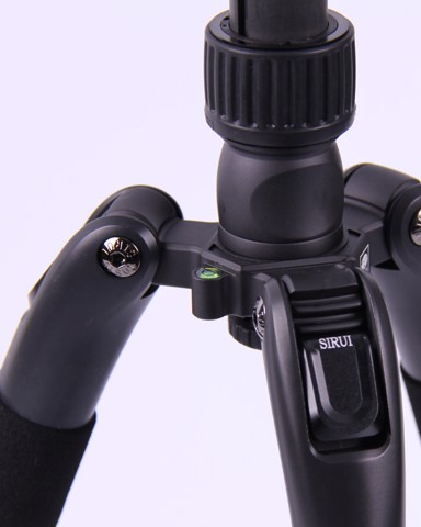Sirui T-2204SK / T2004SK 4-Section Tripod – Travel Tripod with integrated monopod