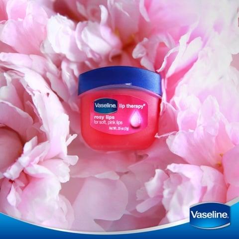 Sáp dưỡng môi Vaseline Rosy Lips Therapy 7g – BellaDonna Cosmetics (HCM)