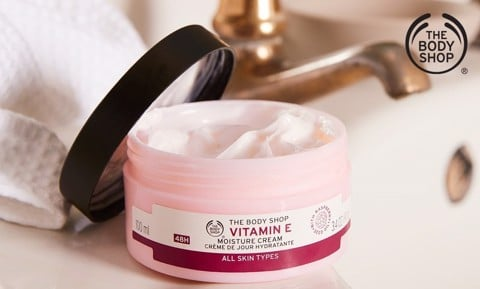 Kem Dưỡng Ẩm Dạng Gel The Body Shop Vitamin E Gel Moisture Cream 50ml