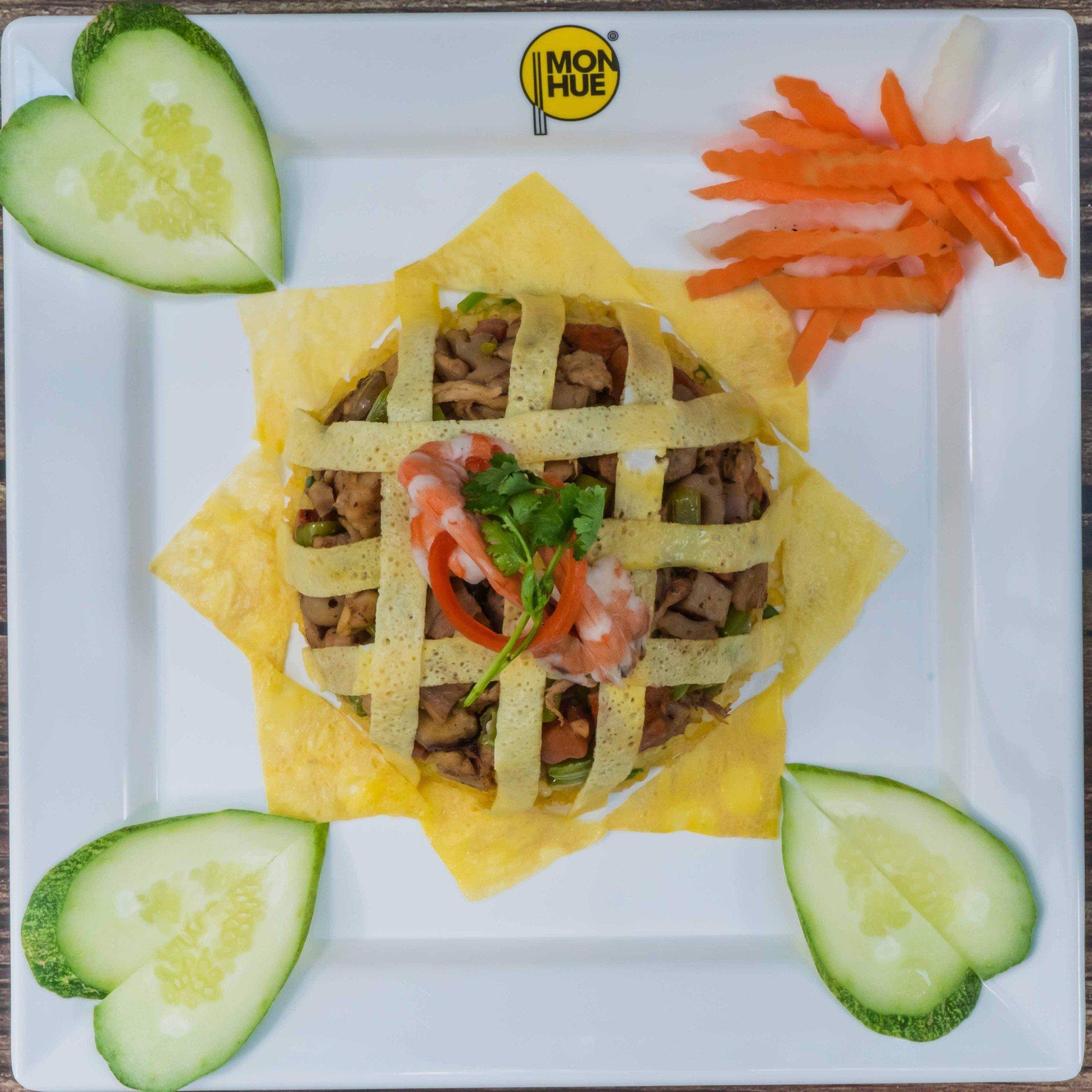 Hue Style Rice With Bbq Meat Nh 224 H 224 Ng M 243 N Huế