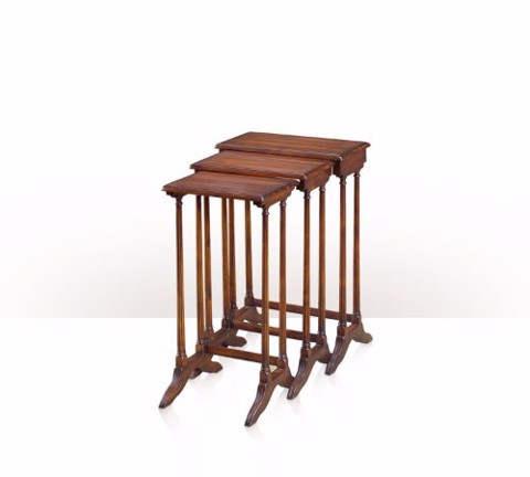 5000-014 Side Table - bàn A Marriage of Convenience