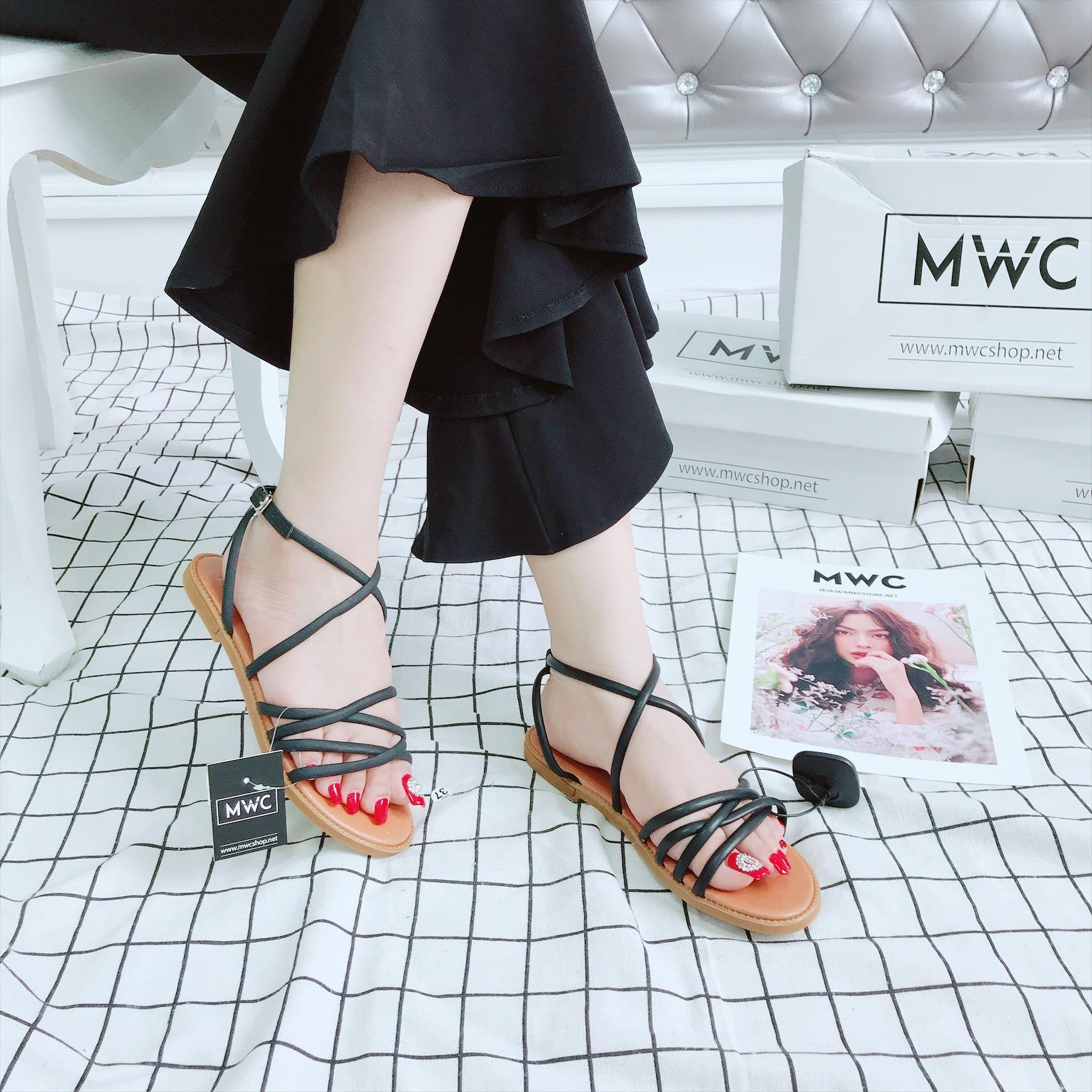 Giày sandal nữ MWC NUSD- 2610 - ĐEN