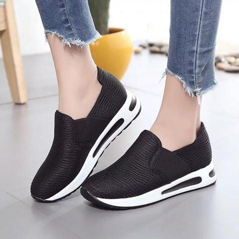Giày Slipon nữ MWC NUSL- 1523 - ĐEN