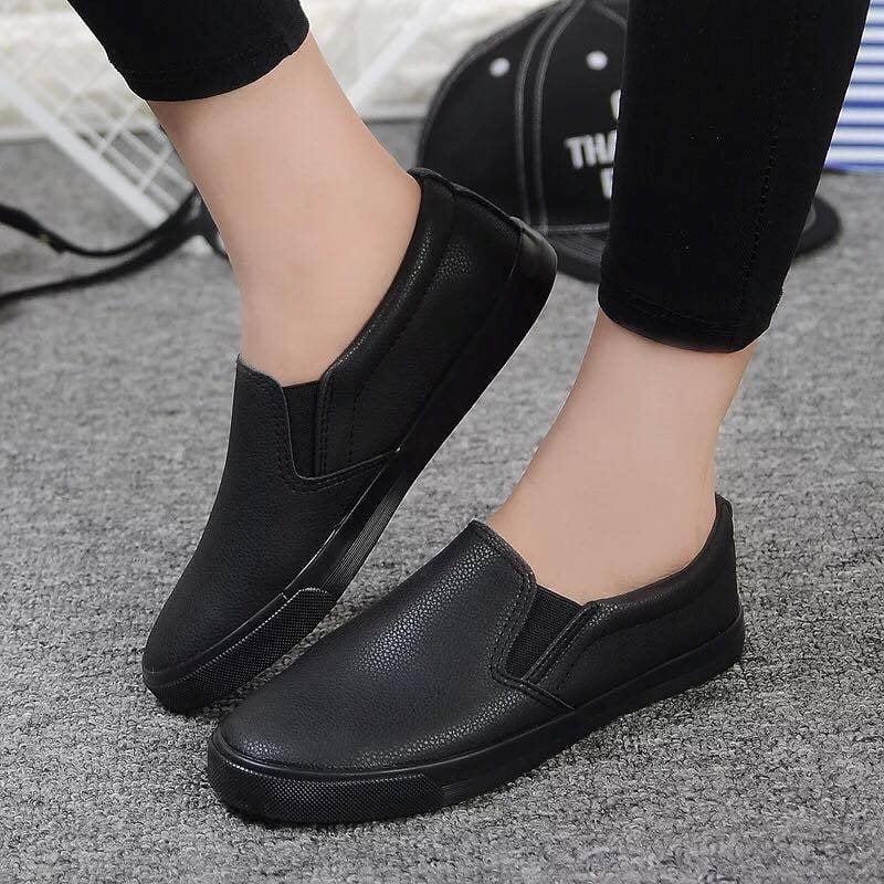 .Giày Slipon nữ MWC NUSL- 1510 - FULL ĐEN