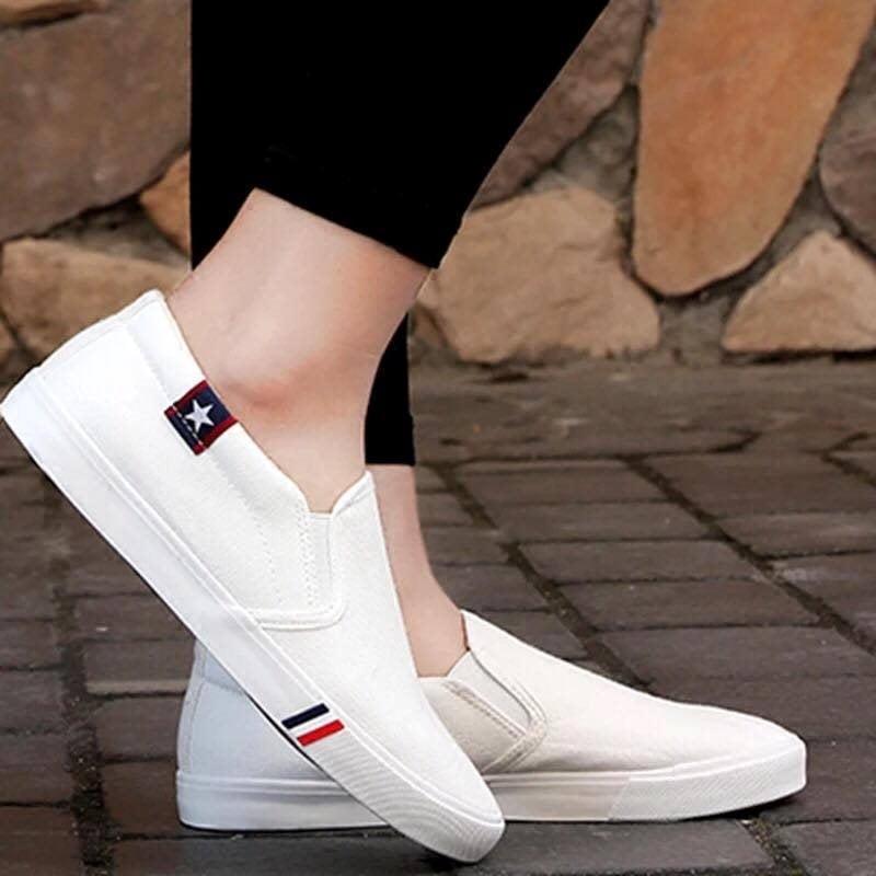 Giày Slipon nữ MWC NUSL- 1507 - TRẮNG
