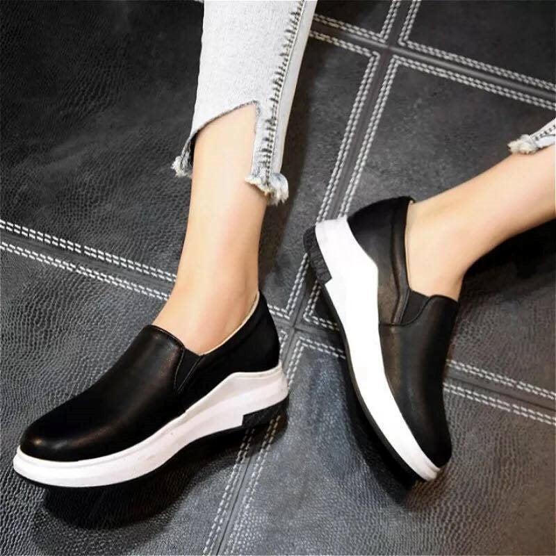 Giày Slipon nữ MWC NUSL- 1515 - ĐEN