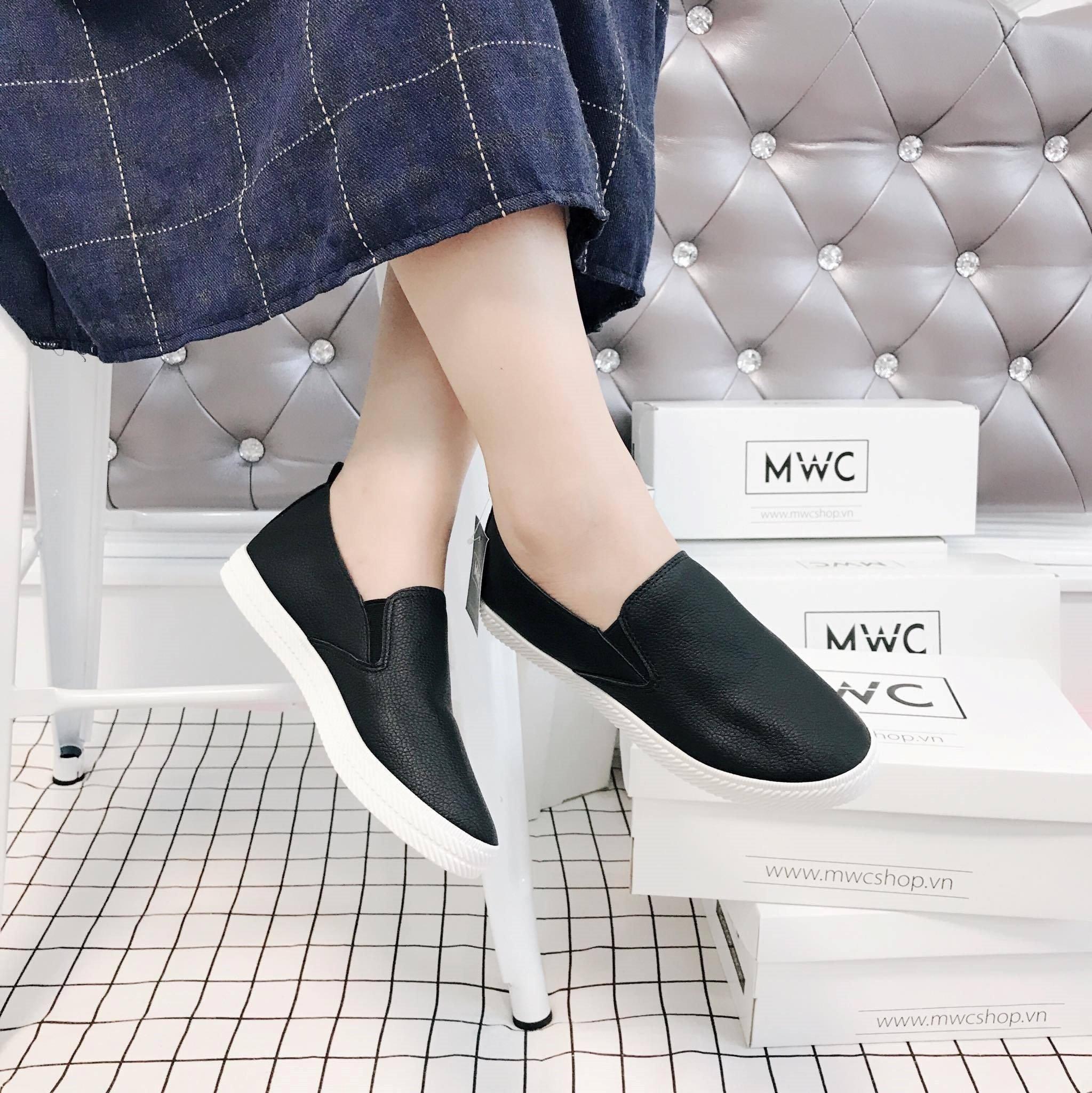 Giày Slipon nữ MWC NUSL- 1517 - ĐEN