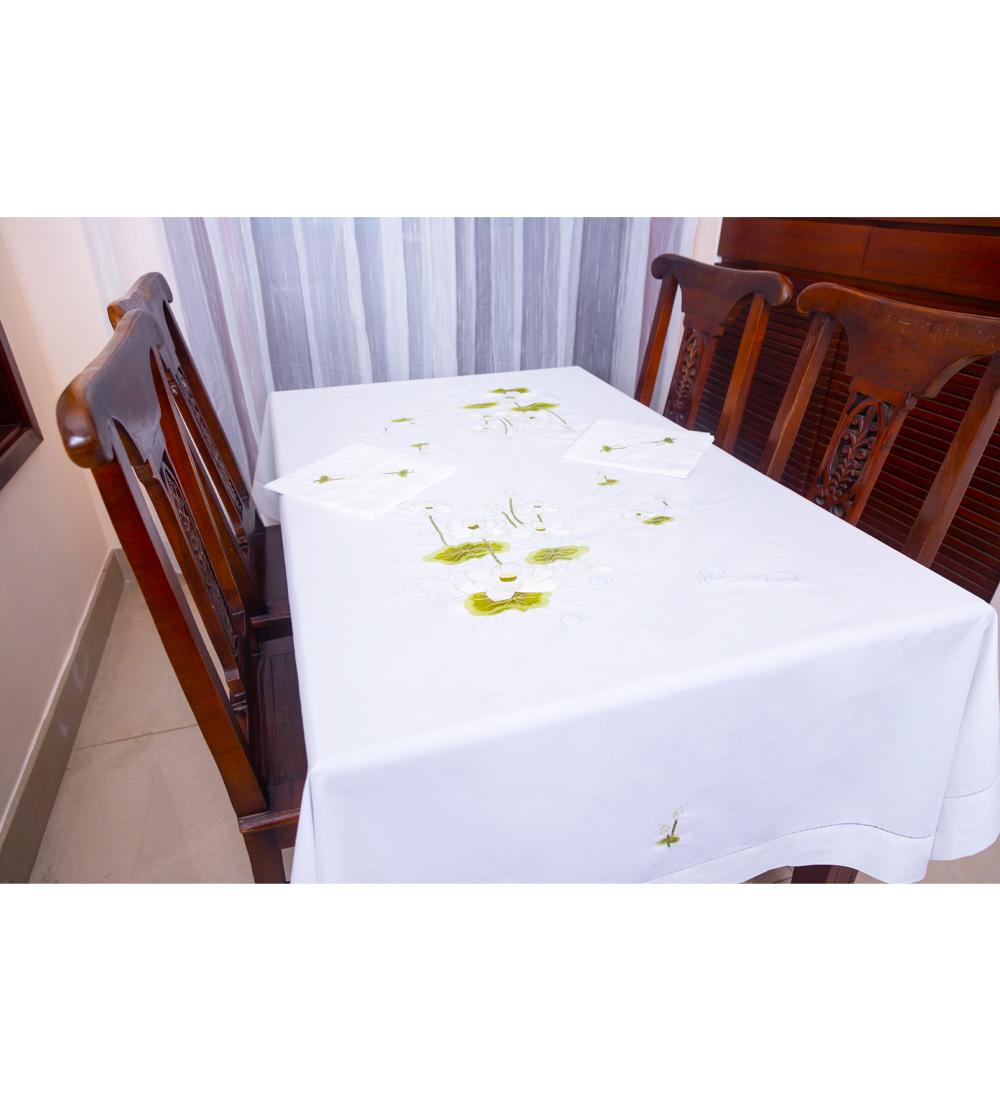 Table Cloth-Khăn bàn 8k175x250-CIP-Sen trắng