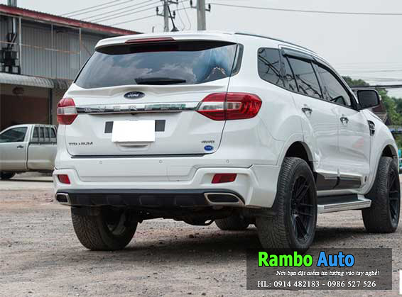Độ body kit Ford Explorer 2016