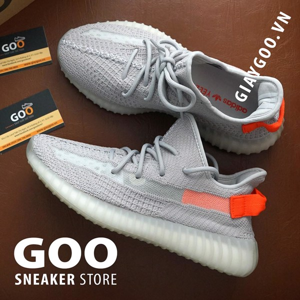 Yeezy 350 Tail Light Rep 1:1