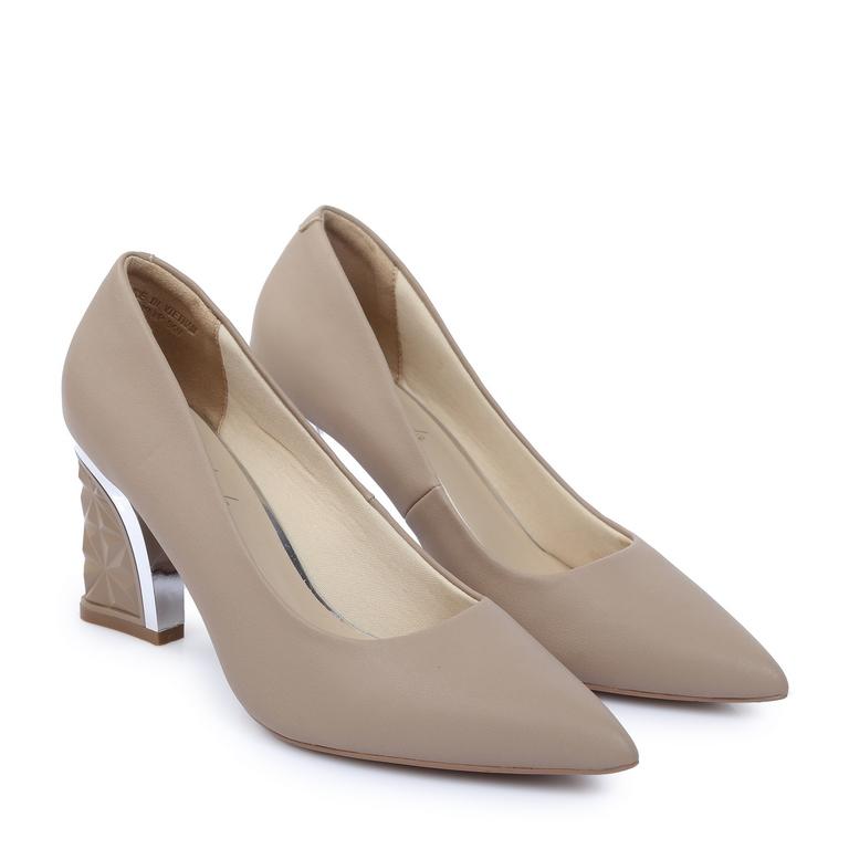 Giày cao gót đế vuông kiểu DP68 Kem