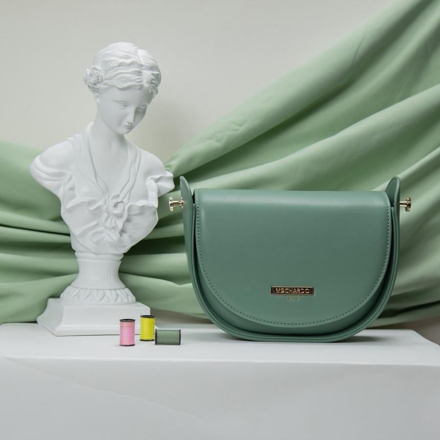 Túi xách phom đứng dáng bán nguyệt KQ-40 Xanh