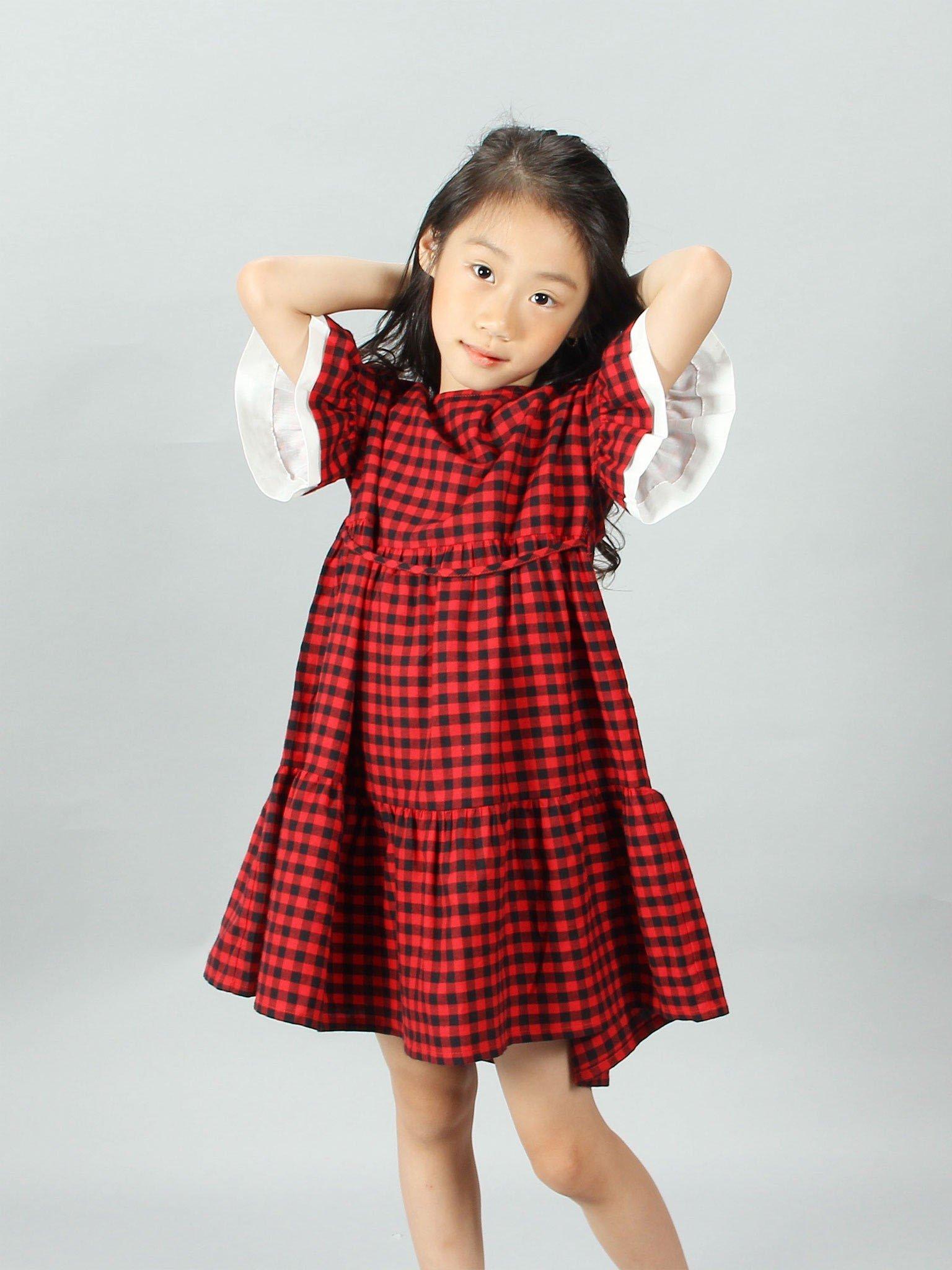 Váy kẻ caro đỏ đen tay phối - Blue Seven