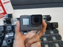 GP01 - gopro hero 5 black - like new 99%