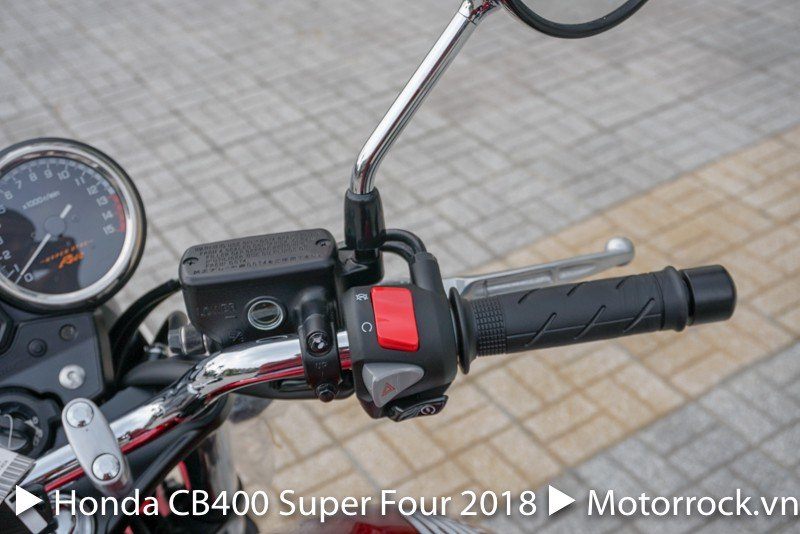 Honda CB400 Super Four 2018 (Special Red)