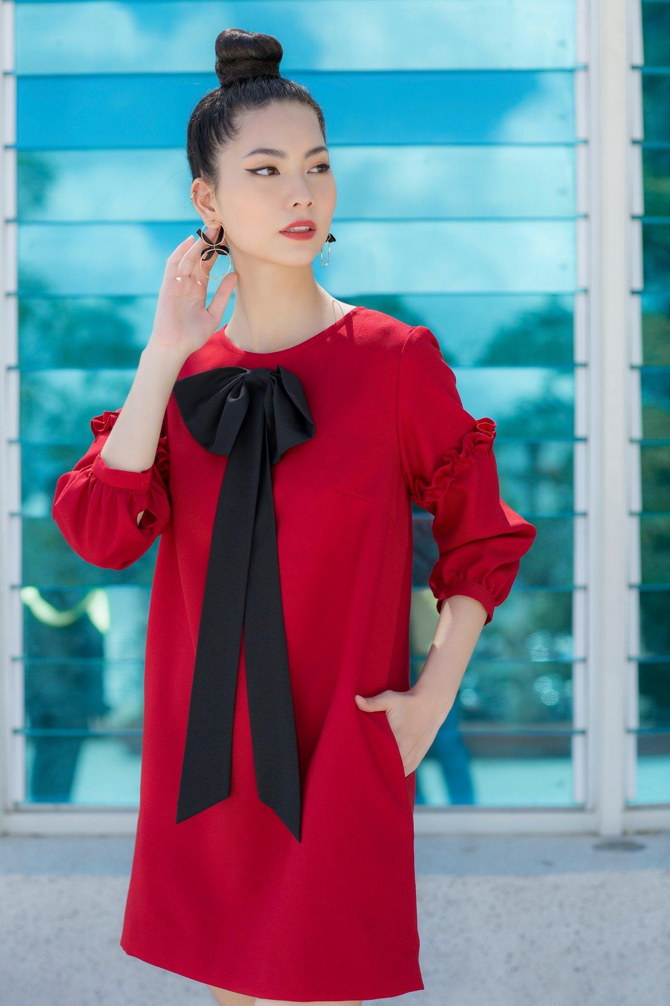 Đầm đỏ suông nơ bèo tay